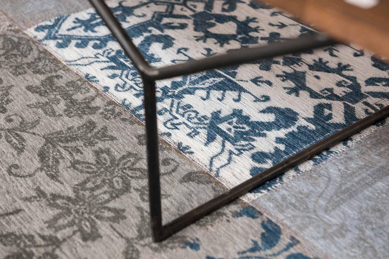 vloerkleed Louis De Poortere LX8981 Vintage Bruges Blue zoom 1